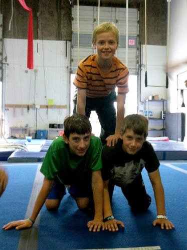 fulldaycamp10-17_070813_youth_acro_pyramid_01